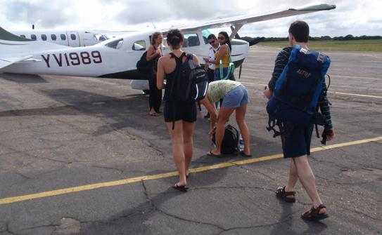 http://dynamicoutdoors.com/Adventures/Venezuela_Img/Flight.jpg