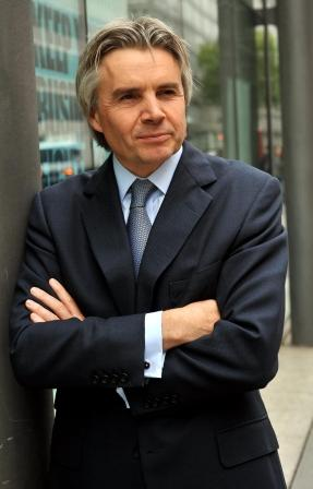 Lord Drayson Minister for Science and Innovation