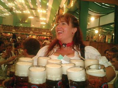 Oktoberfest Bier Wench