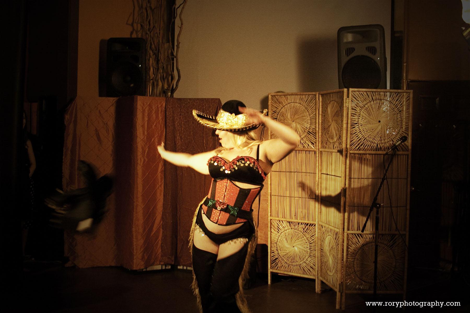 Mae Western Burlesque Act