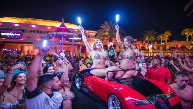 vegas pool party - drais beach club nightclub - zedd, chainsmokers, alesso, aoki, tiesto free guest list