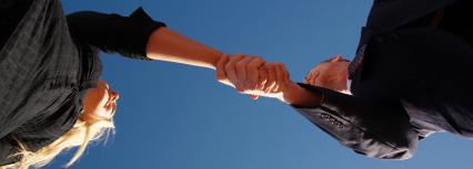 Handshake Male:Female horizontal cropped
